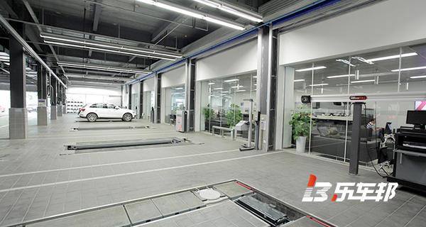 成都华阳奥迪4S店