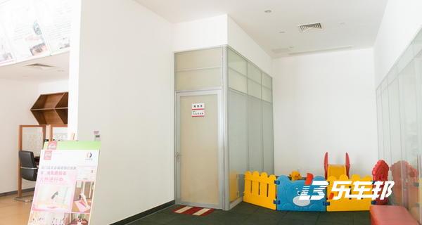 厦门瑞荣嘉诚日产4S店