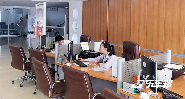 上海百合斯柯达4S店
