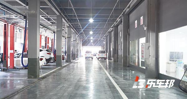 武汉优诚东南三菱4S店