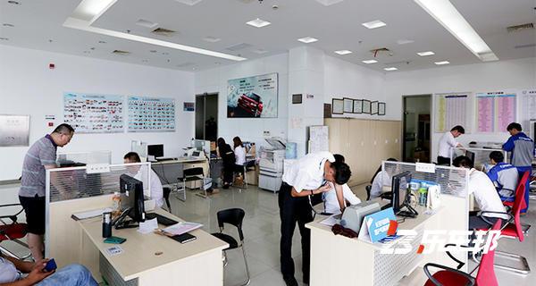 上海绿地东一汽马自达4S店