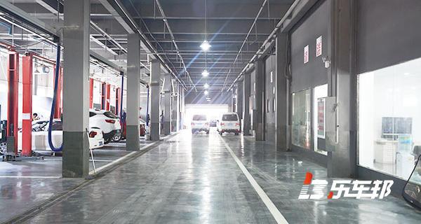 武汉天起进口起亚4S店