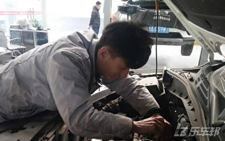 荣威RX54S店保养