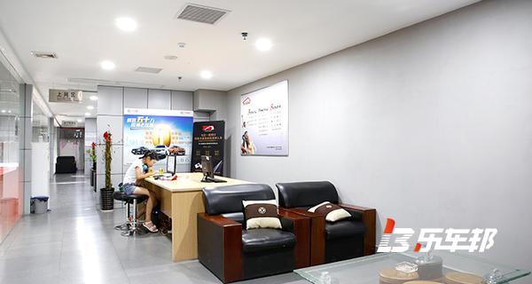 广西鑫瑞骐郑州日产4S店